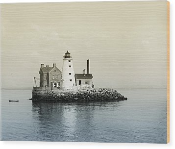 Execution Rocks Lighthouse New York  Wood Print by Bill Cannon