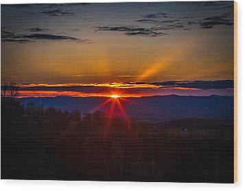 Eye On The Horizon Wood Print by Jerry Mattice