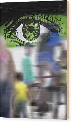 Eye Spy Wood Print by Richard Piper