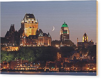 Fairmont Le Chateau Frontenac Wood Print by Juergen Roth
