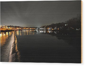Fairmount Dam And Boathouse Row In The Evening Wood Print by Bill Cannon