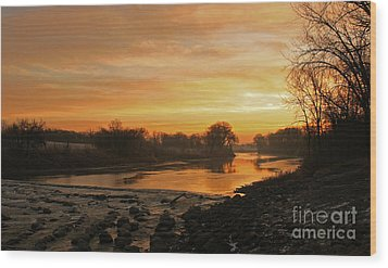 Fall Sunrise On The Red River Wood Print by Steve Augustin
