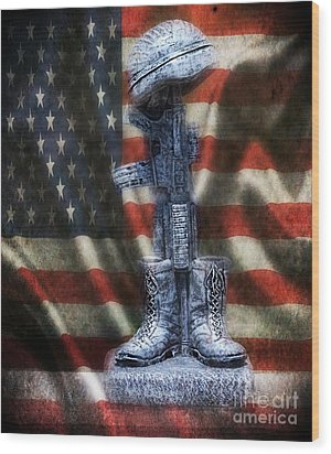 Fallen Soldiers Memorial Wood Print by Peggy Franz
