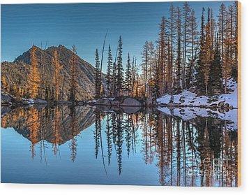Falls Last Colors Wood Print by Mike Reid