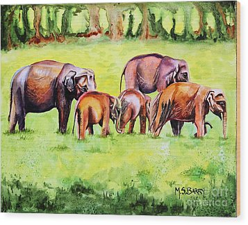 Family Of Elephants Wood Print by Maria Barry