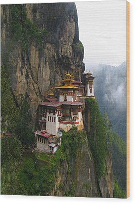 Famous Tigers Nest Monastery Of Bhutan Wood Print by Lanjee Chee