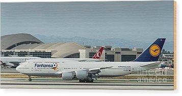 Fanhansa Boeing 747 Airliner Wood Print