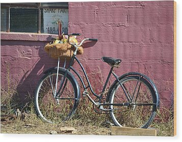 Farm Bicycle Wood Print by Mary Zeman