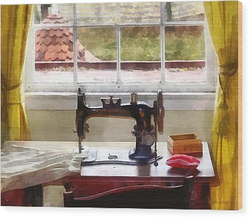 Farm House With Sewing Machine Wood Print by Susan Savad