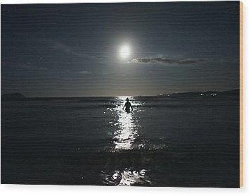 Fascinated By The Moon Wood Print by Chikako Hashimoto Lichnowsky