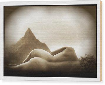 Female Nude At Mt. Pali Hawaii Wood Print