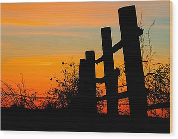 Fence Line With Vibrant Sky Wood Print by Kirk Strickland