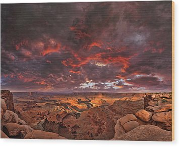 Fiery Sunrise Over Dead Horse Point State Park Wood Print