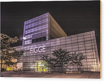 Figge Art Museum Wood Print by Ray Congrove