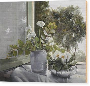Fiori Bianchi Alla Finestra Wood Print by Danka Weitzen