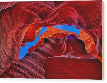 Fire Beneath The Sky In Antelope Canyon Wood Print by Greg Norrell