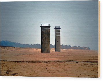 Fct5 And Fct6 Fire Control Towers On The Beach Wood Print by Bill Swartwout