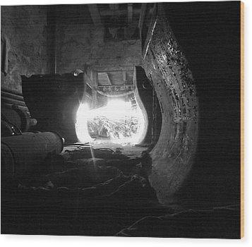 Fire In The Hole Bw Wood Print by Elizabeth Sullivan