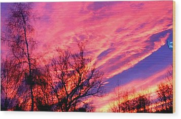 Fire In The Sky Wood Print by Randy Saragosa