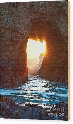 Fireburst - Arch Rock In Pfeiffer Beach In Big Sur. Wood Print by Jamie Pham