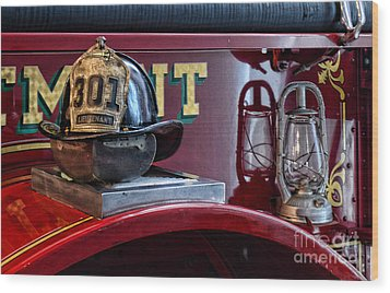 Firemen - Fire Helmet Lieutenant Wood Print by Paul Ward