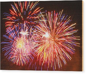 Wood Print featuring the photograph Fireworks 4th Of July by Robert Hebert