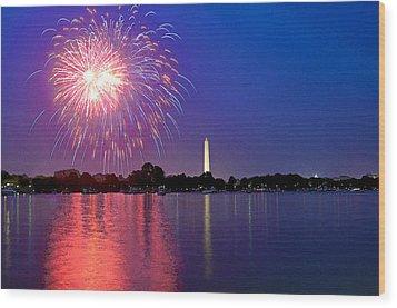 Fireworks Across The Potomac Wood Print by Steven Barrows