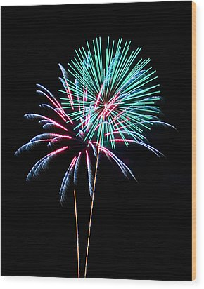 Fireworks Wood Print by Darrin Doss