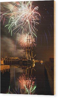 Fireworks Exploding Over Salem's Friendship Wood Print by Jeff Folger
