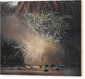 Fireworks In Englishbay 1 Wood Print