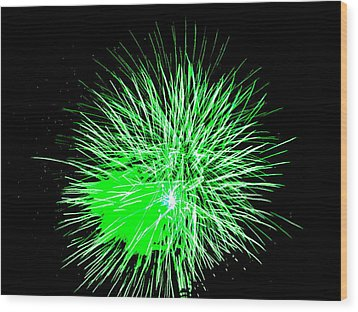 Fireworks In Green Wood Print by Michael Porchik