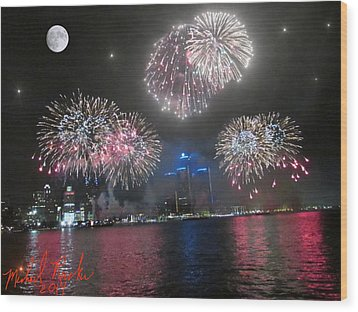 Fireworks Over Detroit Wood Print by Michael Rucker