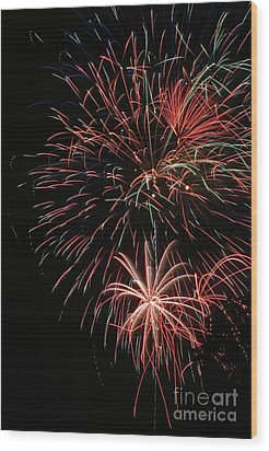 Fireworks6525 Wood Print by Gary Gingrich Galleries