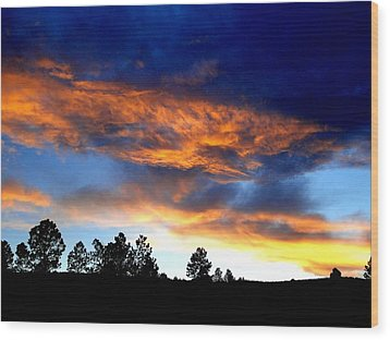 Firey Sunset Of Angel Fire Wood Print
