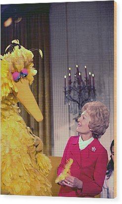 First Lady Pat Nixon Meeting With Big Wood Print by Everett