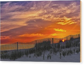 First Light At Cape Cod Beach  Wood Print by Susan Candelario