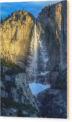 First Light On Yosemite Falls Wood Print by Mike Lee