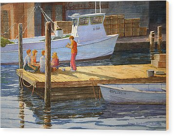 Fish Tales At Cortez Wood Print by Roger Rockefeller