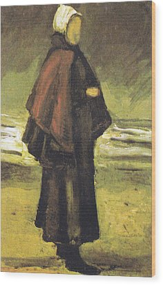 Fishermans Wife On The Beach Wood Print by Vincent Van Gogh