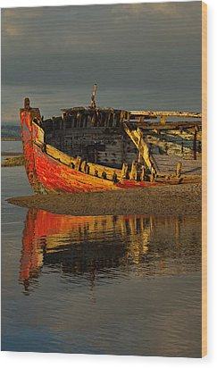 Fishing Boat At Crow Point - North Devon Wood Print by Pete Hemington