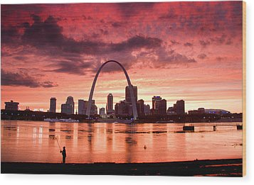 Fishing The Mississippi In St Louis Wood Print
