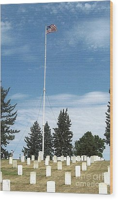 Flag At Custer National Cemetery Wood Print by Charles Robinson
