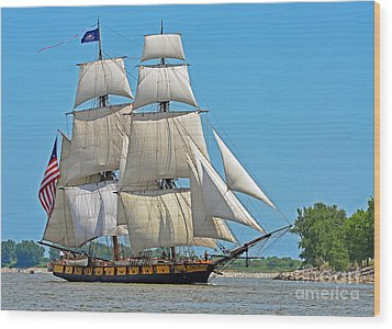 Flagship Niagara Wood Print by Rodney Campbell