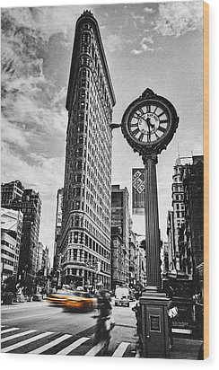 Flatiron Rush Wood Print