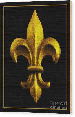 Fleur De Lis In Black And Gold Wood Print by Carol Groenen