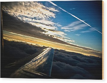 Flight 777 Wood Print by Joel Loftus