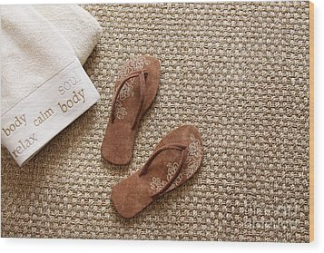 Flip Flops With Towels On Seagrass Rug Wood Print by Sandra Cunningham