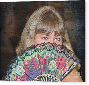 Flirting With The Fan Wood Print by Mariola Bitner