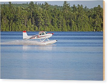 Wood Print featuring the photograph Float Plane Landing On The Lake by Barbara West