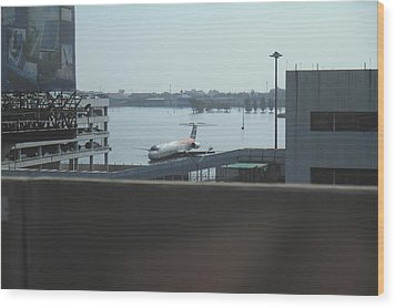 Flooding Of The Airport In Bangkok Thailand - 01134 Wood Print by DC Photographer